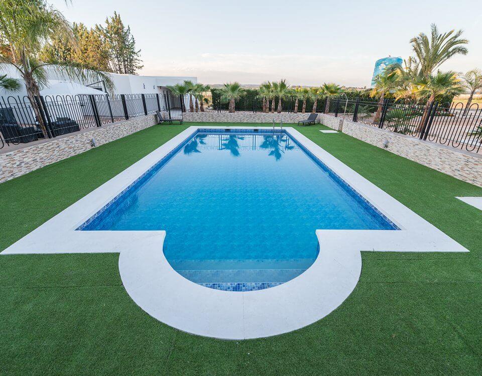 piscina los manjares el palmeral